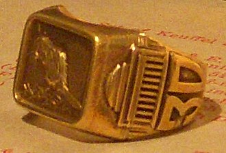 MIT class ring - Image: 1930MITRing Shank