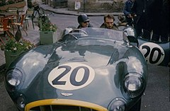 Tony Brooks w bolidzie Aston Martin (1957)