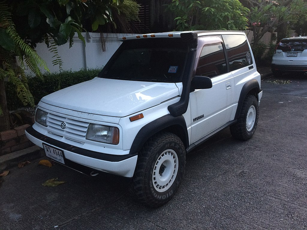1993 geo tracker base w soft top convertible suv 1 6l 4x4 manual rh carspecs us 1992 geo tracker manual transmission 1992 geo tracker manual transmission
