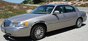 Ford Panther platform - Image: 2000Lincoln Town Car