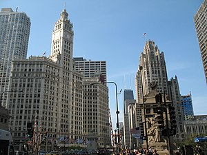 Michigan–Wacker Historic District - North of Michigan Avenue Bridge