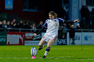 Penalty (rugby) - Image: 2014 W6N France vs Italy Christelle Le Duff 5780