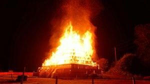 File:2015-06-20 23-47-30 feu-st-jean-lepuix.ogv