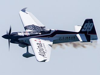 Michael Goulian - Goulian flying his Alpina and Cirrus-sponsored Edge 540 at the 2017 Red Bull Air Race of Chiba
