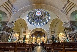 2019 - Basilique Notre-Dame-du-Rosaire de Lourdes - interior.jpg
