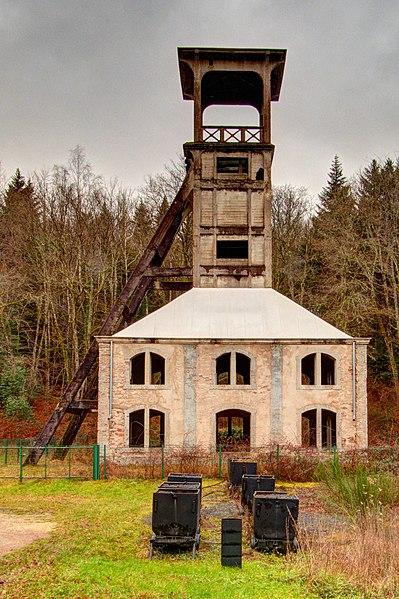 Vestiges miniers, à Ronchamp et aux alentours... 399px-2020-12-29_16-20-59_puits-ste-marie-Ronchamp