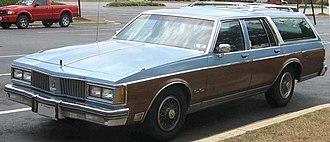 Oldsmobile Custom Cruiser - Late 1980s Oldsmobile Custom Cruiser