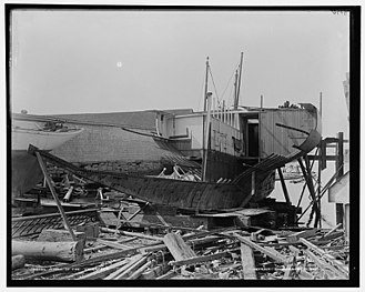Volunteer (yacht) - Damage after the 1893 grounding