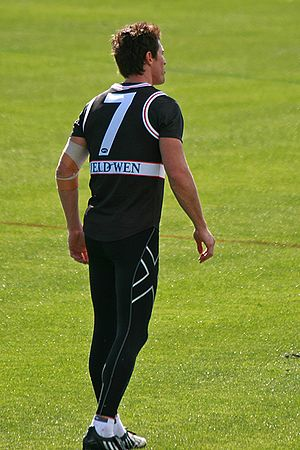 Lenny Hayes - Hayes sporting his famous No. 7 jumper