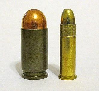 9×18mm Makarov - Image: 9mm Makarov vs 22LR