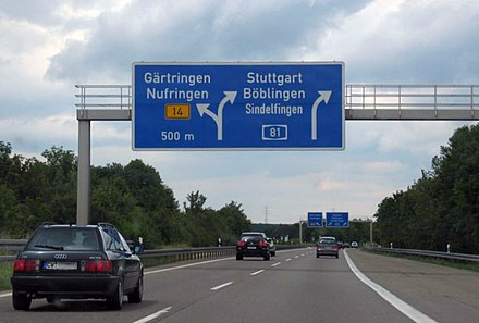 Gärtringen: One of the few German autobahn exits to the left