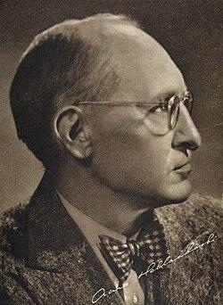 Aaro-Hellaakoski-1930s.jpg