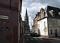 Abbeville rue de l'Eauette et église St-Jacques 1.jpg