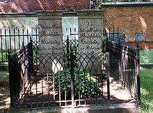 Grave of Abraham and Lea Mendelssohn Bartholdy (Source: Wikimedia)