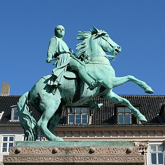 Equestrian statue of Absalon - The equestrian statue of Absalon