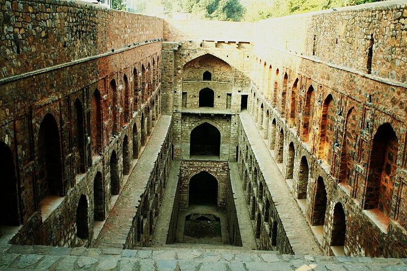 Agrasen ki Baoli, New Delhi, India - 20070127.jpg