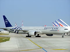 Air France Boeing 777-328ER F-GZNE Skyteam livery @ Paris CDG.jpg