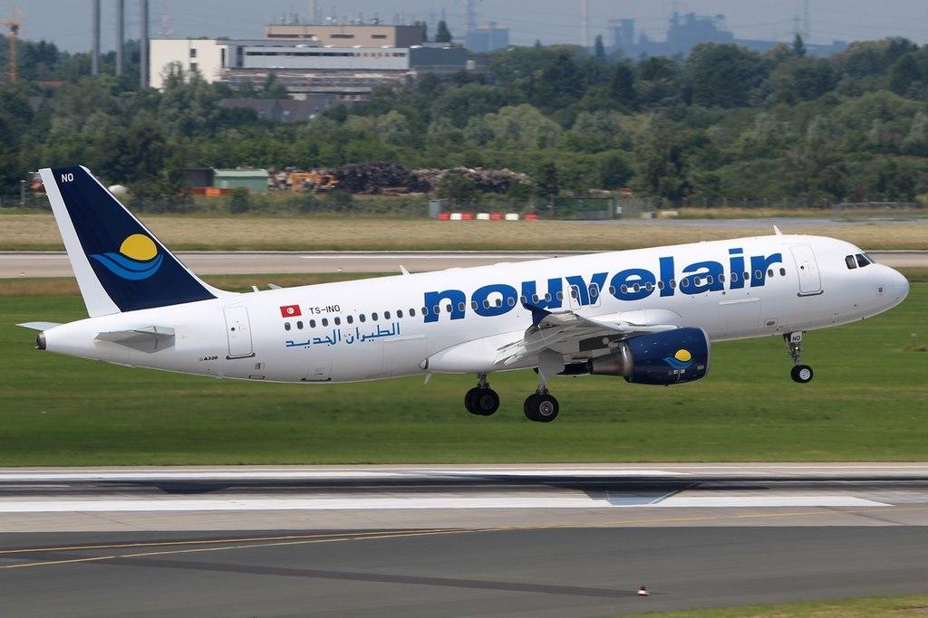 File:Airbus A320-214 Nouvelair TS-INO, DUS Düsseldorf