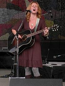 Allison Moorer at Bumbershoot 2007 02.jpg