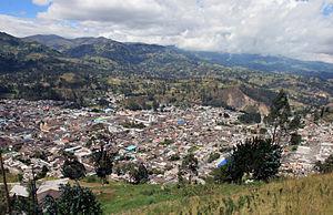 Ama la Vida - Flickr - Panorámica de Guaranda, prov de Bolívar (8226327493).jpg