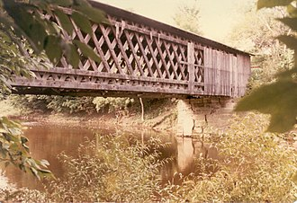 Lattice truss bridge - Root Road Covered Bridge, Astabula, Ohio
