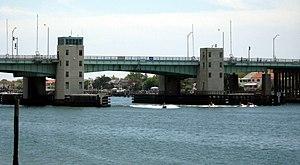 Atlantic Beach Bridge - Image: Atlantic Beach Bridge jeh