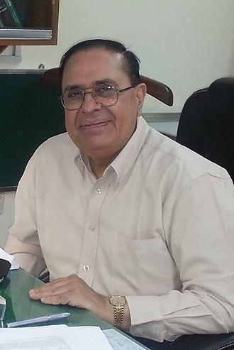 Atta-ur-Rahman (chemist) - Atta-ur-Rahman at Karachi University