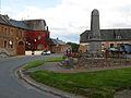 Autreppes place centrale et monument-aux-morts 1.jpg