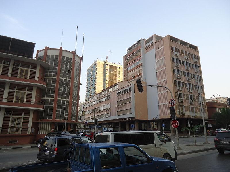 Av. do 1° Congresso do MPLA Luanda-01.JPG