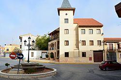 Ayuntamiento de Madrigueras (19570805614).jpg