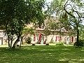 Bâtiment du parc du château de la Rauze.jpg