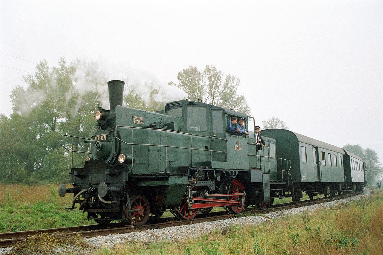 1280px-BB%C3%96_DT1-07_Orth_an_der_Donau