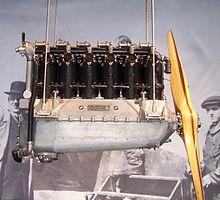 Il motore aeronautico BMW IIIa a sei cilindri in linea, progettato dall'ingegner Max Friz nel 1917