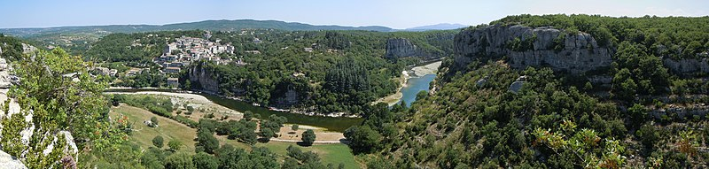 View of the Ardèche river at Balazuc.