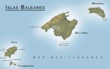 Le Isole Baleari con Formentera, immediatamente a sud di Ibiza