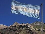 20 de Junio: Dia de la Bandera Argentina bandera de argentina en los andes