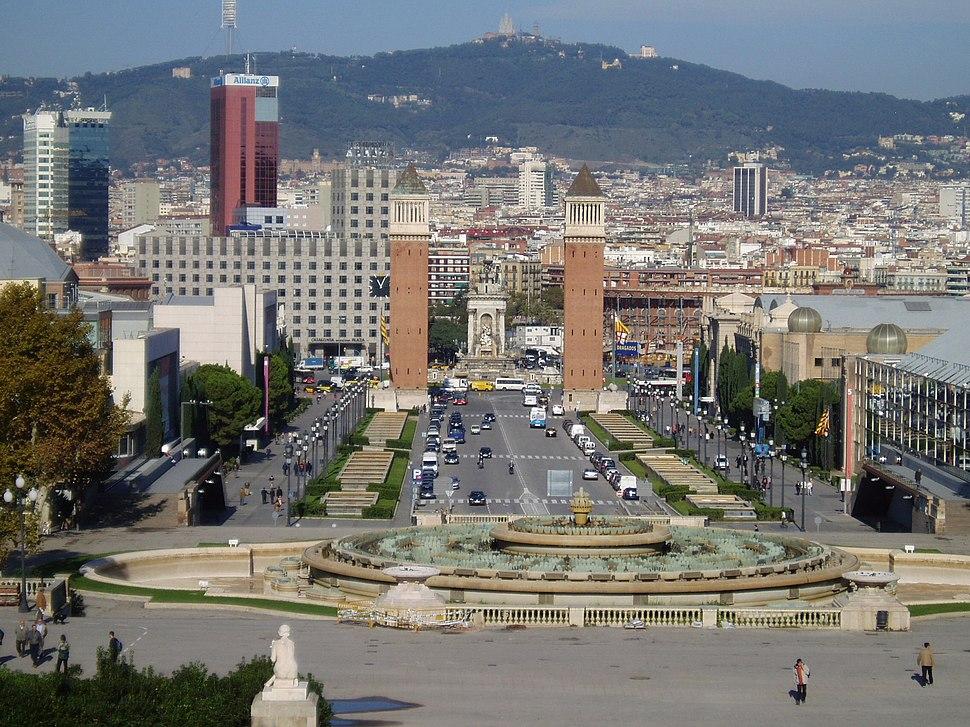Torres venecianas e Plaça d'Espanya