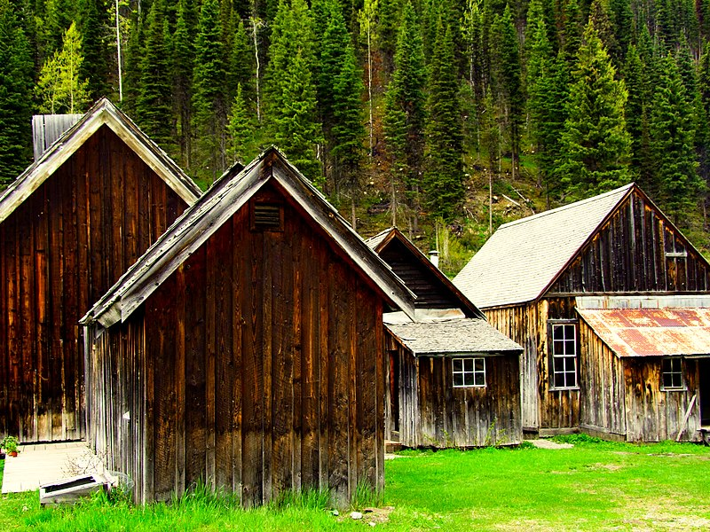 old wooden buildings in the frontier town of Barkerville, Canada