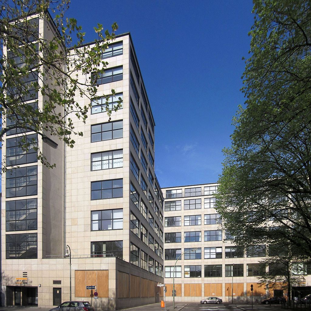 Berlin, Kreuzberg, Oranienplatz 4-10, Max-Taut-Haus.jpg