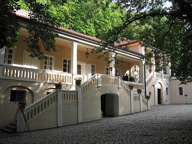 Вилла Бертрамка в Праге, где, как считается, Моцарт дописывал «Дон Жуана». Ныне там расположен музей композитора