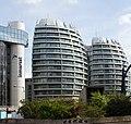 Bezier apartments (14114850034).jpg
