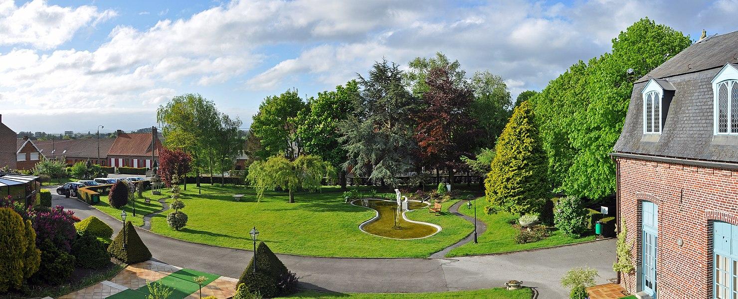Bollezeele (département du Nord, France): hostellerie Saint-Louis - the garden
