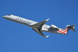 Bombardier CRJ-702 'N546FF' American Eagle (14192211342).jpg