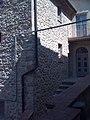 Borgo medievale La Leccia di Sasso Pisano dettaglio.JPG