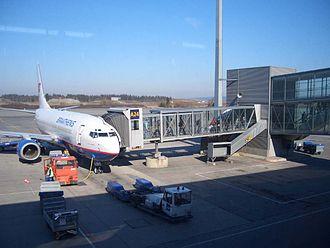 SAS Braathens - Deplaning passengers at Oslo Airport