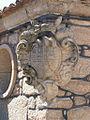 Brasão de casa em Sernancelhe (5986790715).jpg