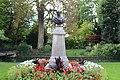 Buste Garnier Jardin Garnier Provins 3.jpg