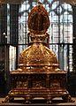 Busto-reliquiario di san servazio, in rame dorato con gemme, 1580 ca. 03.jpg