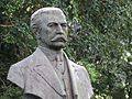 Busto do Prefeito Firmiano Pinto 09.jpg