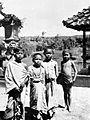 COLLECTIE TROPENMUSEUM Vier Balinese jongens TMnr 10005063.jpg
